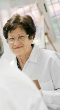El buen humor mejora las funciones cognitivas de las personas mayores.